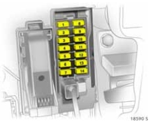 Vauxhall corsa d fuse box passeneger compartment fuse box 2008 saturn astra wiring diagram shrutiradio 2008 saturn astra fuse box diagram at crackthecode.co