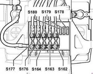 volkswagen bora 1999 2006 fuse box diagram auto genius. Black Bedroom Furniture Sets. Home Design Ideas